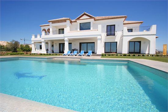 Beautiful Villa In Los Flamingos Golf Resort  Marbella Luxury